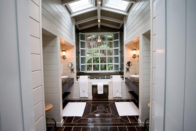 Junior Lodge Suite Bathroom